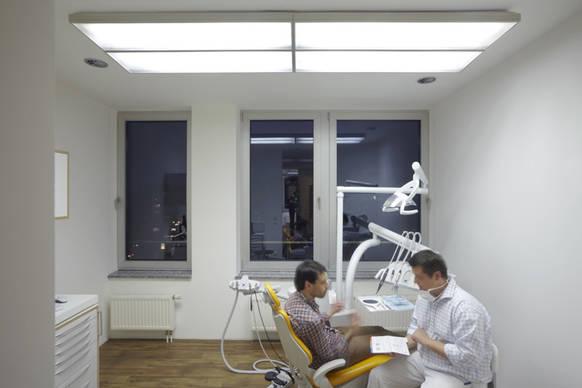 licht von zumtobel unterst tzt innovatives behandlungskonzept on light licht im netz. Black Bedroom Furniture Sets. Home Design Ideas