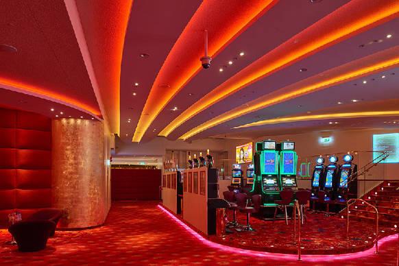 lichtgestaltung im casino 2000 on light licht im netz. Black Bedroom Furniture Sets. Home Design Ideas