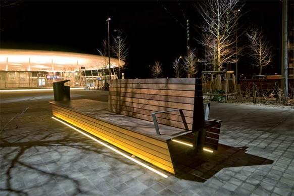 strukturierte lichtlinien on light licht im netz. Black Bedroom Furniture Sets. Home Design Ideas