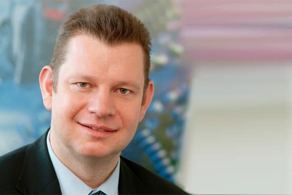 Der Aufsichtsrat der OSRAM AG, München, hat Dr. <b>Peter Laier</b> (44) zum ... - csm_osram_conti_peter_laier_9b882886fc