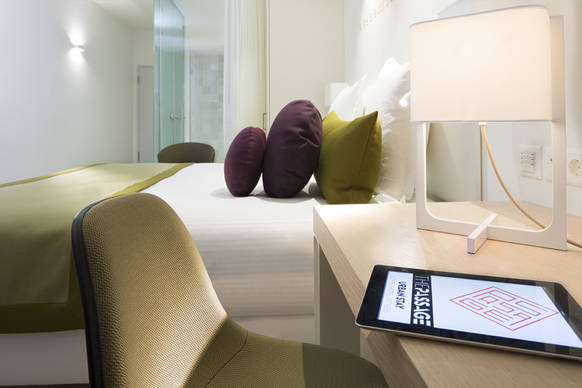 sthetische lichtl sung f r das designhotel the passage. Black Bedroom Furniture Sets. Home Design Ideas