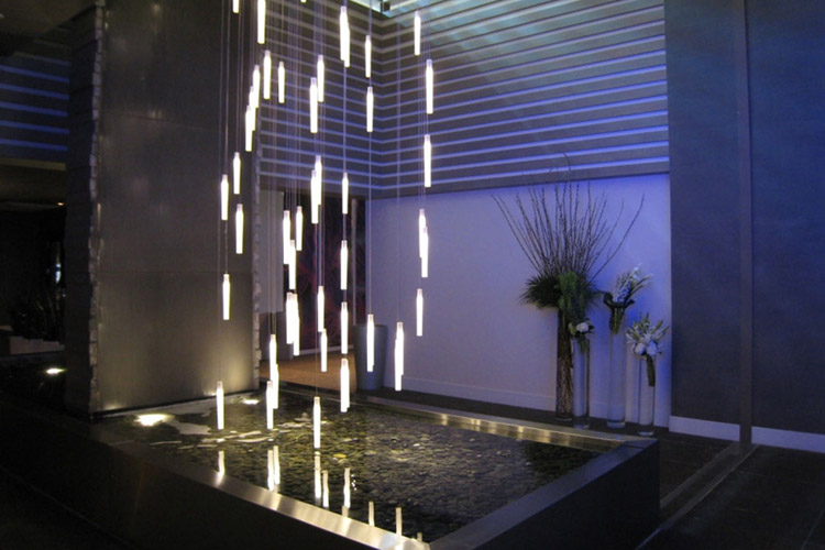 Flying candles im w hotel in fort lauderdale florida usa for Designhotel am strand