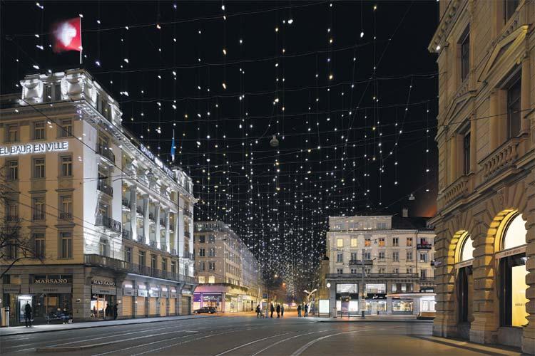 neue generation st dtischer weihnachtsbeleuchtung on light licht im netz. Black Bedroom Furniture Sets. Home Design Ideas