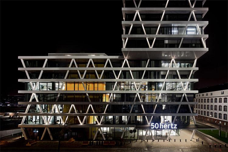 netzquartier 50hertz berlin on light licht im netz. Black Bedroom Furniture Sets. Home Design Ideas