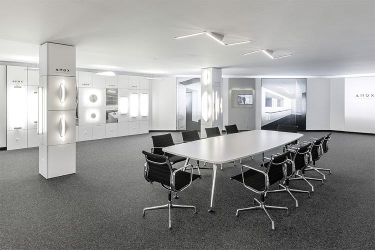 neuer showroom bei grossmann on light licht im netz. Black Bedroom Furniture Sets. Home Design Ideas