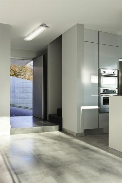 linar geradliniges design on light licht im netz. Black Bedroom Furniture Sets. Home Design Ideas