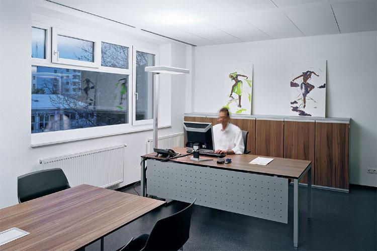qualit tsfaktor licht dynamische led beleuchtung bringt motivation und wohlbefinden ins b ro. Black Bedroom Furniture Sets. Home Design Ideas
